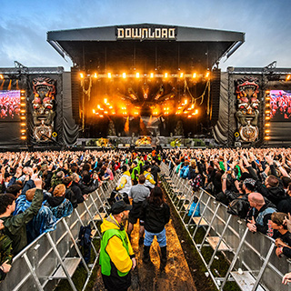 4 weeks until Download Festival! Volunteer for free entry!