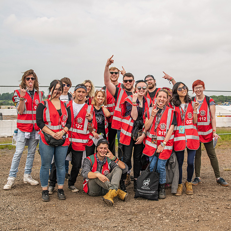 Volunteer at Download Festival 2020 with Hotbox Events - Group of volunteers before shift