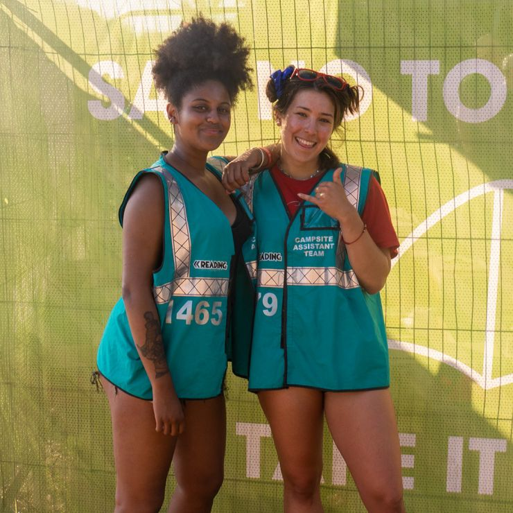 Volunteer at Reading Festival 2020 with Hotbox Events - Arena volunteers smiling