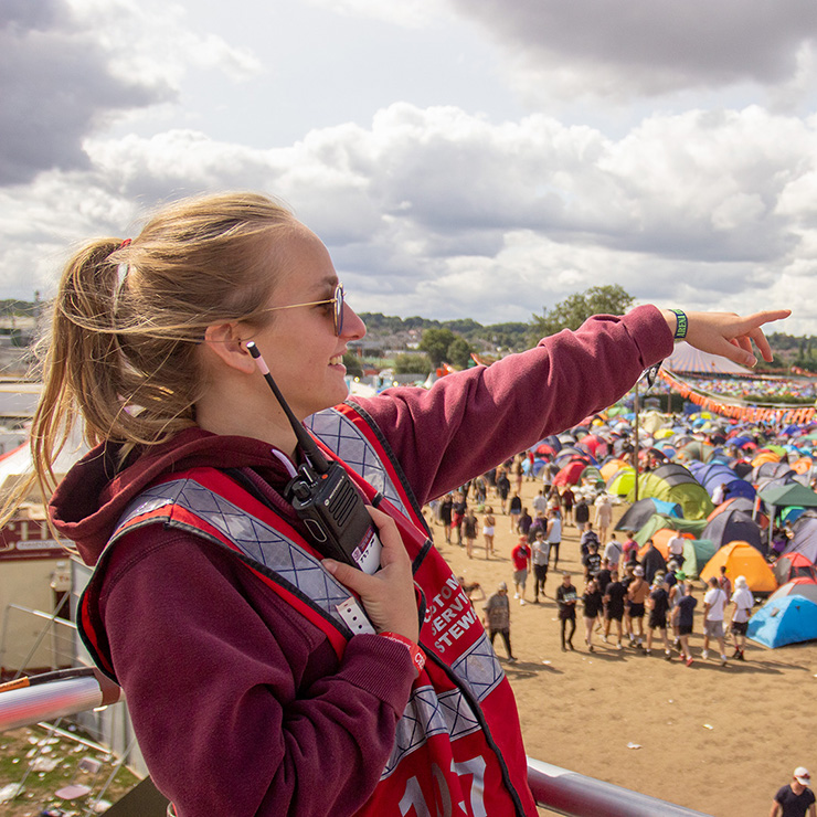 Volunteer at Reading Festival 2020 with Hotbox Events - Campsite fire tower volunteer pointing